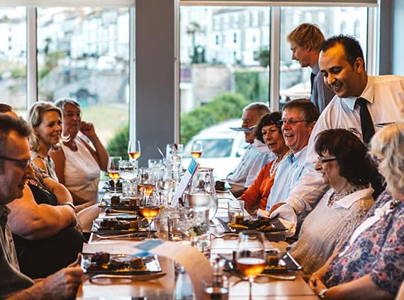 the-waters-edge-restaurant-falmouth-restaurants-cornwall-greenbank-hotel-summer-menu-hotels-in-cornwall-bar-terrace-service-