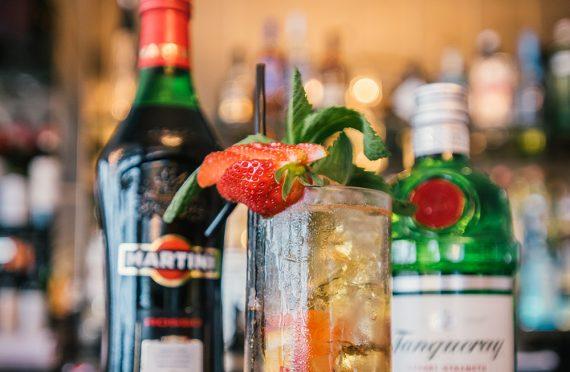 greenbank-bar-summer-pimms-cocktail-falmouth-cornwall-cocktail-bar