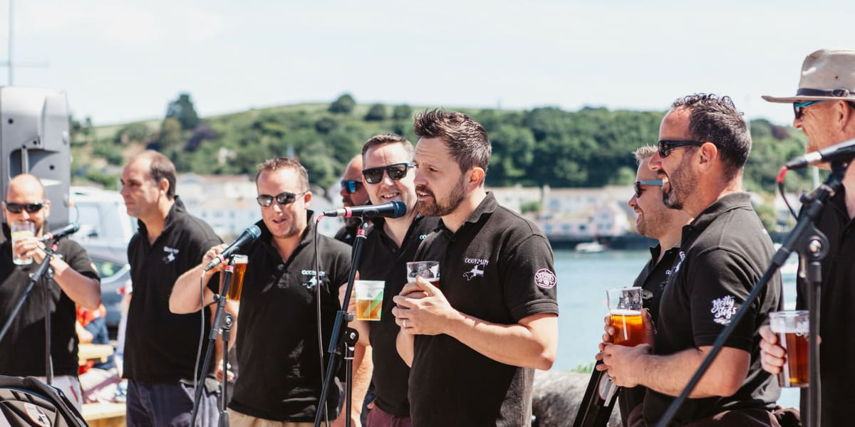 the-oggymen-falmouth-week-the-working-boat-pub-cornwall-events