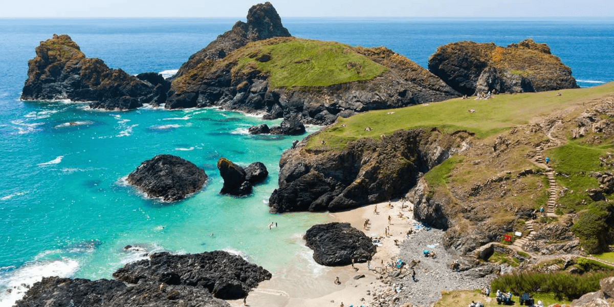kynance-cove-cornwall-poldark-locations-film-tv-ross-cornish
