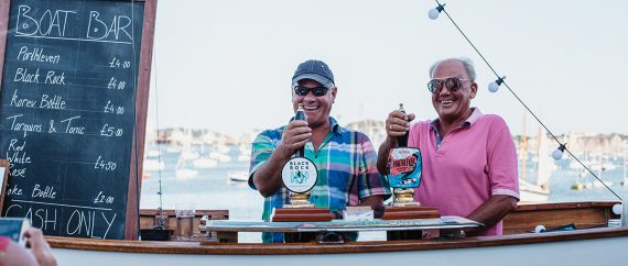 the-working-boat-pub-falmouth-cornwall-boat-bar