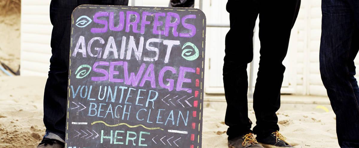 surfers-against-sewage-beach-clean-cornwall-falmouth-greenbank-beach