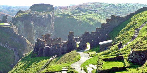 tintagel-castle-haunting-locations-cornwall-greenbank-hotel