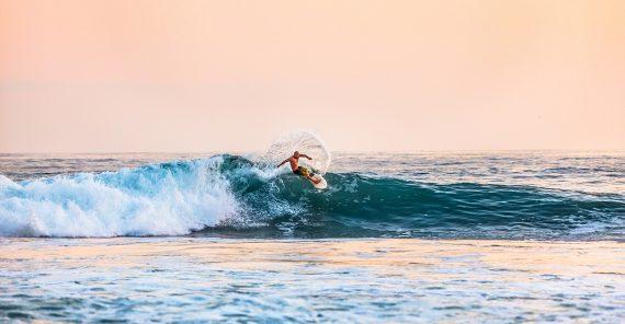 best-surf-spots-cornwall-winter