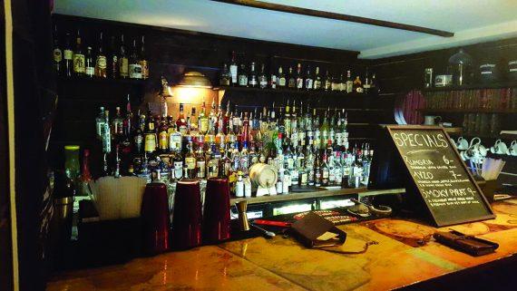 The-Brig-Falmouth-back-bar
