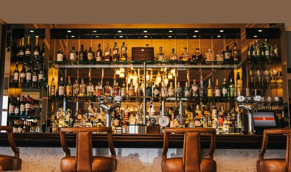 the-waters-edge-bar-falmouth-greenbank-hotel-cocktails