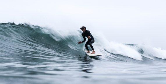 winter-getaway-cornwall-surf
