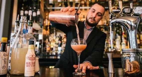 cocktail-bar-falmouth-greenbank-hotel-bars-cornwall-drinks-bartender