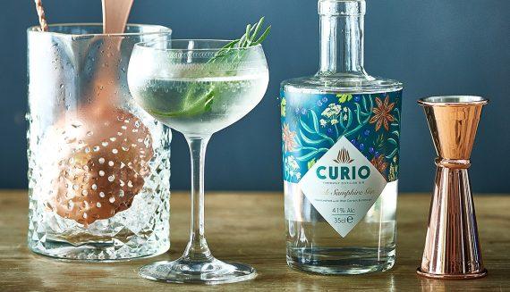 gin-club-waters-edge-bar-greenbank-hotel-falmouth-cornwall