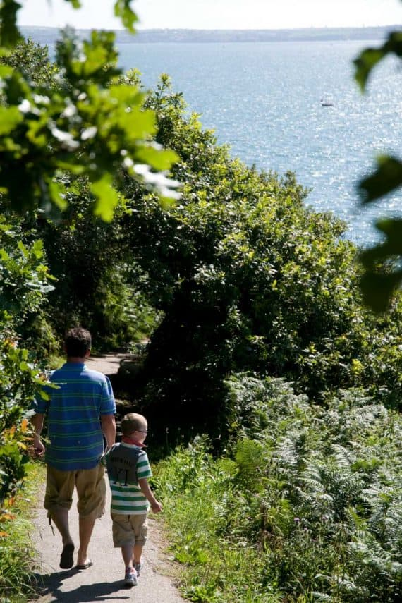 walks-through-the-gardens-glendurgan-adventures-garden-break-greenbank-hotel