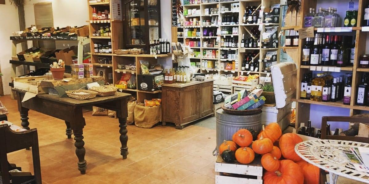 Cusgarne-organic-farm-local-produce-farmwork-fresh-foods