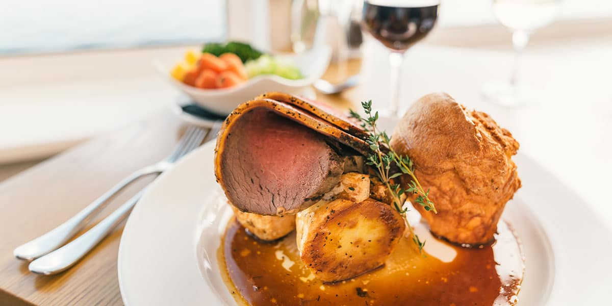 roast-beef-social-sunday-hospitality-action-the-greenbank-hotel-cornwall