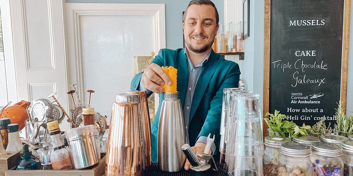 yohann-rapid-gin-infusion-the-greenbank-hotel-recipes-how-to-make-gin