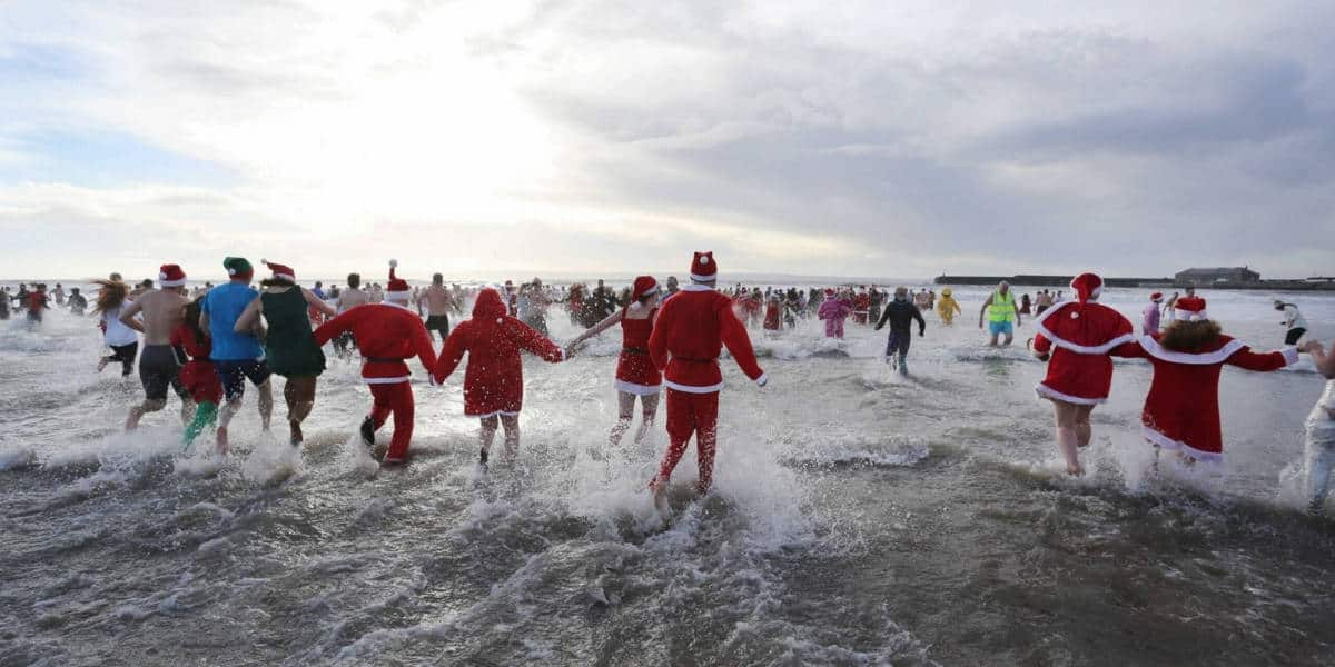 christmas-swims-the-greenbank-hotel-falmouth