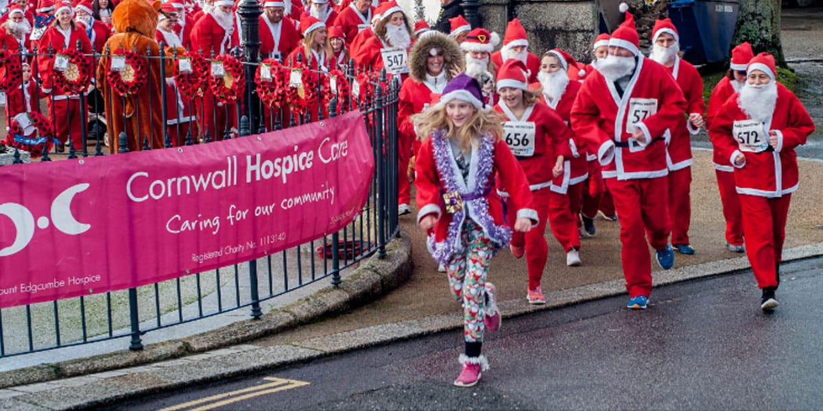 cornwall-hospice-care-santa-fun-runs-throughout-the-greenbank-hotel