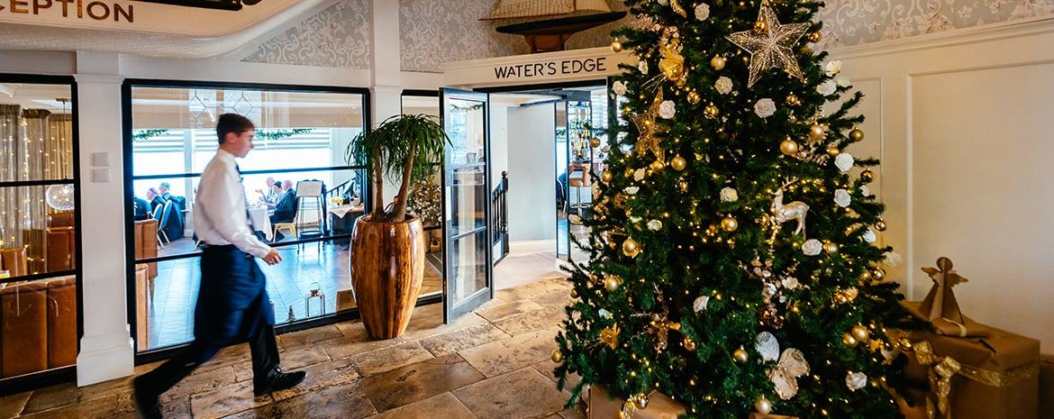 Christmas-at-the-greenbank-hotel-festive-feeling-on-the-waters-edge-restaurant