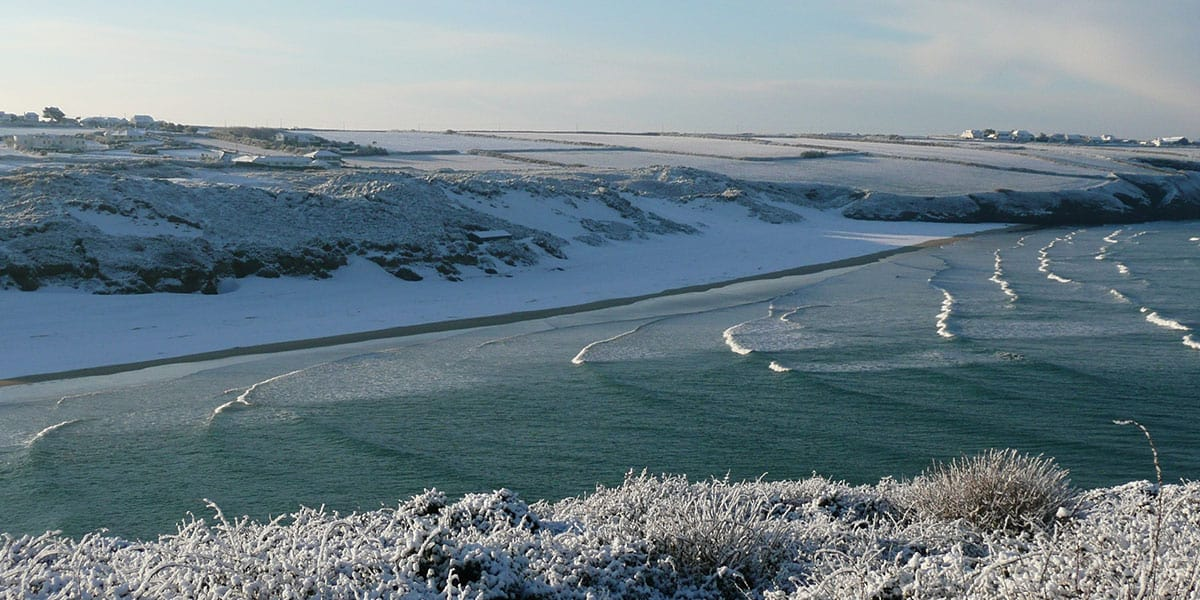 cornish-beach-in-the-snow-the-greenbank-hotel-falmouth-cornwall