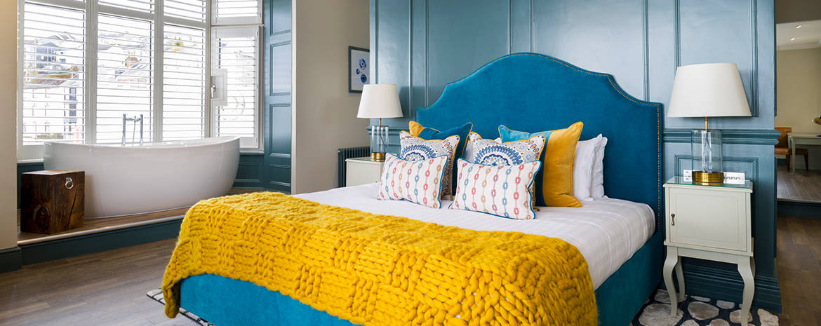 stay-at-the-greenbank-hotel-in-falmouth-cornwall-during-your-festive-evenings-on-the-waters-edge