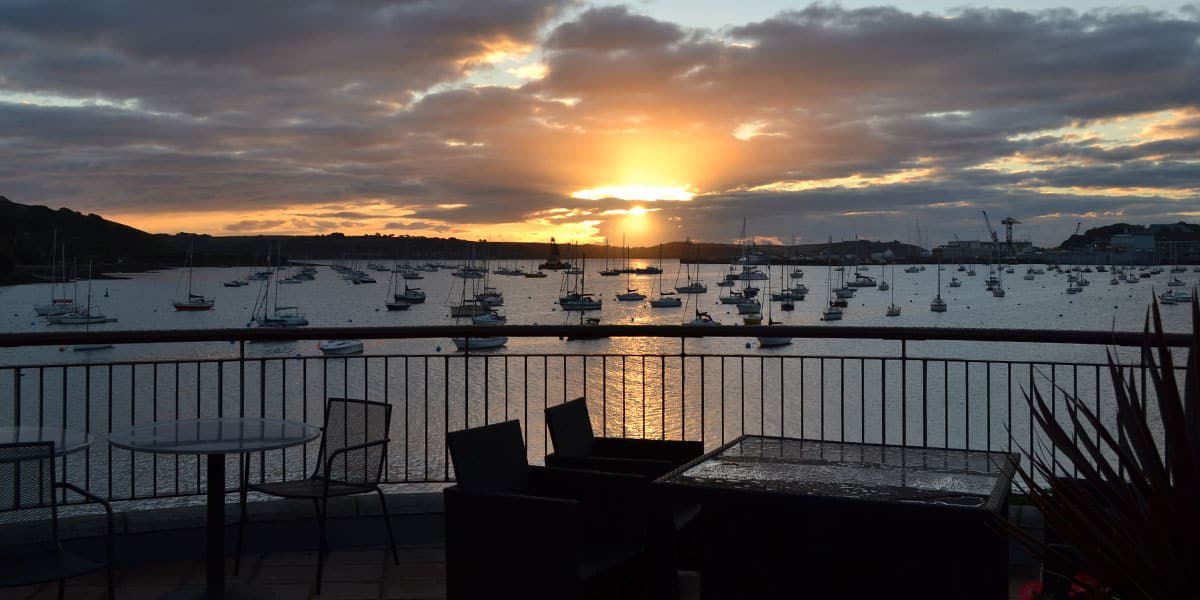 whats-on-cornwall-dine-al-fresco-terrace-sunrise-cornish-hotel-greenbank