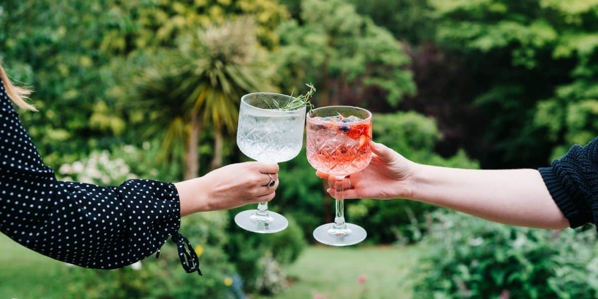cornwall-lovers-round-up-summer-in-cornwall-cornish-gin-festival-the-alverton