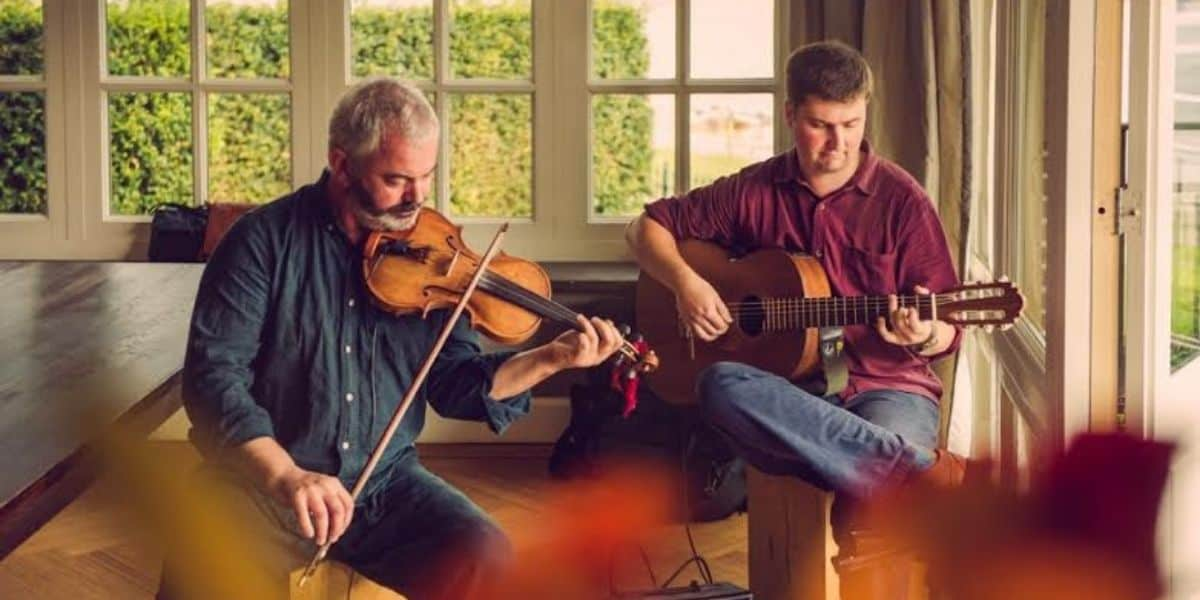 whats-on-in-cornwall-this-june-2021-mitchell-and-vincent-violinists