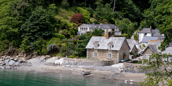 durgan-beach-cottages-cornwall-coast