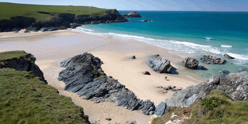 polly-joke-porth-beach-low-tide-cornwall-off-the-beaten-path-spots